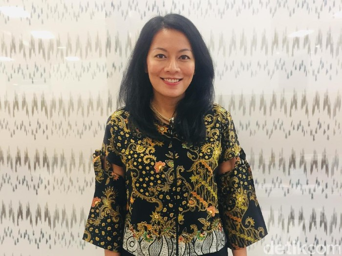 Penulis Dee Lestari di London Book Fair 2019