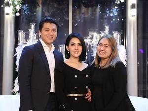 Hairstylist Ungkap Konsep Tatanan Rambut Syahrini Saat Menikah