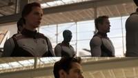 Beberapa Avengers yang tersisa dengan kostum quantum realm tanpa sosok Bruce Benner, Thor dan Captain Marvel.Dok. Twitter