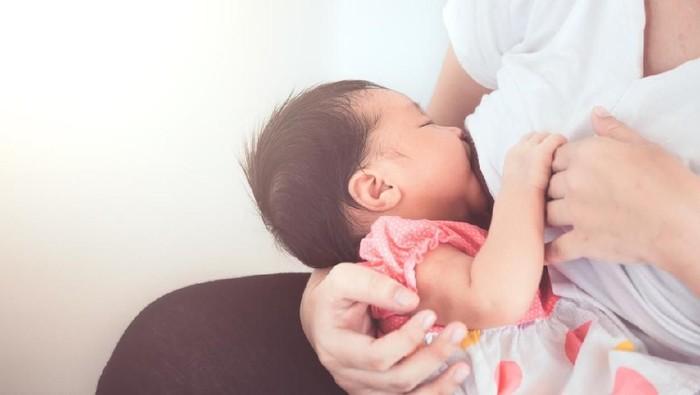 Manfaat ASI bisa membuat anak lebih terhindar dari risiko eksim. (Foto: iStock)