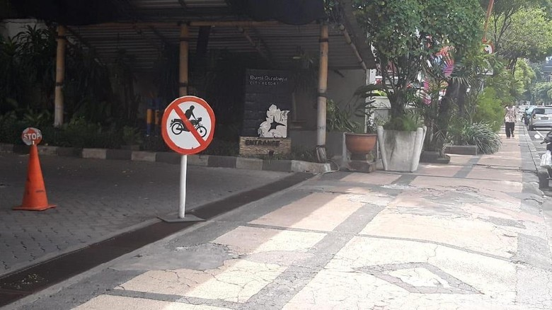 Ott Kpk Hari Ini Di Surabaya Detail: Rommy Diduga Di-OTT KPK Di Pintu Keluar Hotel Bumi, Ini
