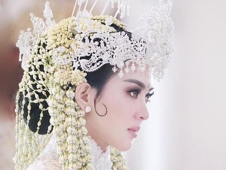 Rinaldy Yunardi Buat Siger untuk Pernikahan Syahrini, Habis Biaya Berapa?