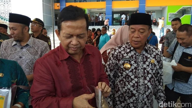 Di Panggung Acara Muhammadiyah, Soetrisno Bachir Ngaku Pro-Jokowi