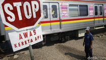 Viral Pembonceng Kepentok Palang Akibat Terobos Perlintasan Kereta