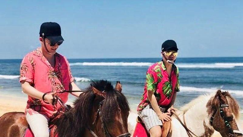 Tidak hanya untuk syuting, namun juga liburan menikmati Pulau Dewata. (seungriseyo/Instagram)