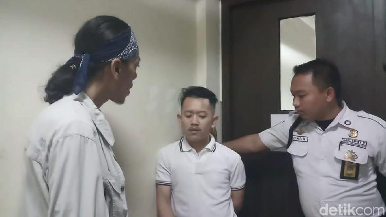 Praktik Prostitusi di Apartemen Kebagusan City, 8 Orang Diamankan