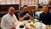 Gaya Makan Crazy Rich Tanjung Priok hingga Nama Makanan yang Kocak