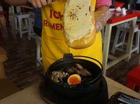 Sluurp! Ramen Jadi Makin Creamy dengan Topping Keju Raclette