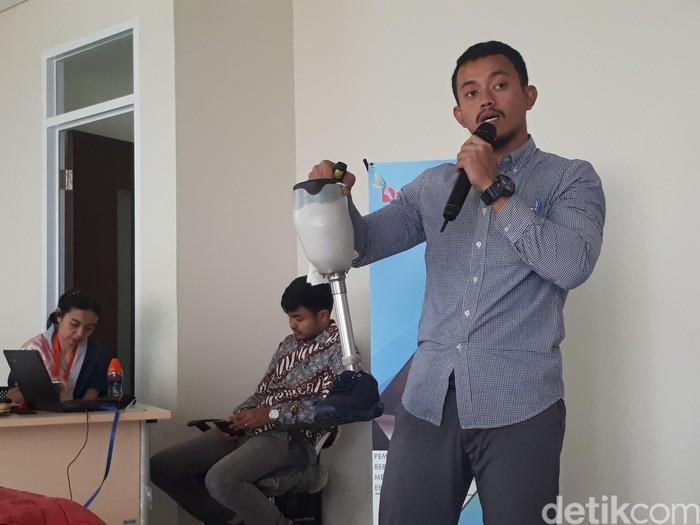 Bagi pasien amputasi, kaki prostetik pasti sangat dibutuhkan untuk melakukan berbagai aktivitas sehari-hari. Foto: Widiya Wiyanti/detikHealth