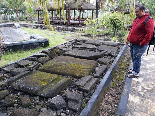 Menurut Kepala Bidang Pelestarian dan Nilai Budaya, Dinas Kebudayaan Kabupaten Gunungkidul, Agus Mantara, benda purbakala di sini sebagian besar berasal dari zaman Megalitikum. (Pradito/detikcom)