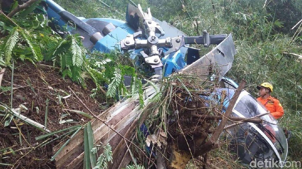 Begini Potret Rusaknya Helikopter yang Jatuh di Tasikmalaya