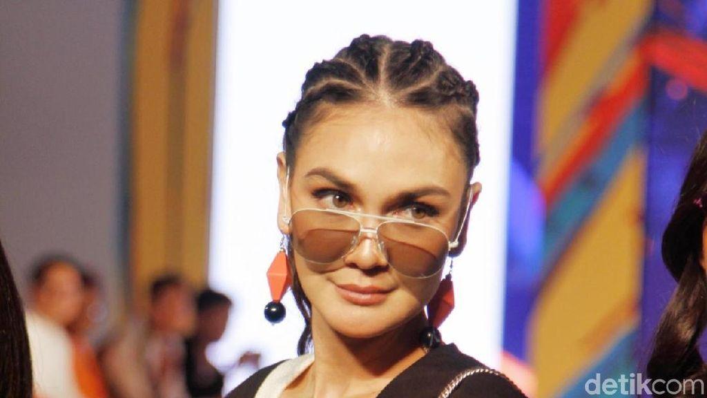 Marion Jola Tak Bisa Sendiri, Luna Maya Tetap Ingin Setahun Jomblo