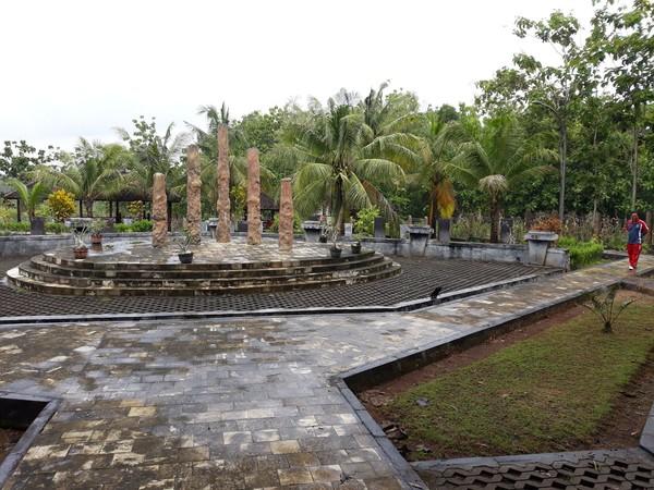 Untuk masuk ke Situs Sokoliman, traveler hanya perlu membayar retribusi Rp 10 ribu di TPR masuk Desa Wisata Bejiharjo. Sedangkan untuk biaya parkir gratis. (Pradito/detikcom)