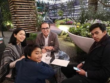Adjani, putra sulungnya bersekolah di Auckland, sedangkan Tantowi dan keluarga tinggal di Wellington. (Foto: Instagram @tantowiyahyaofficial)
