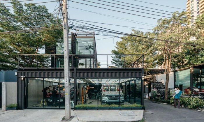 Perusahaan yang berpusat di Thailand, Archimontage Design Fields Sophisticated, telah mengirimkan delapan kontainer bekas ke bengkel mobil di Thailand. Istimewa/Dok. Inhabitat.