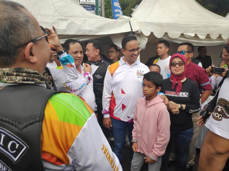 Anies Ajak Anaknya Hadiri Milenial Road Safety Festival di Polda Metro
