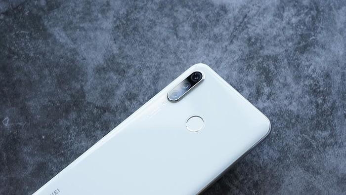 Ponsel Huawei. Foto: Sina Mobile
