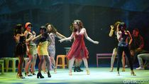 Happy Salma Tunggu Momen yang Pas Ajak Atiqah Hasiholan Main Teater
