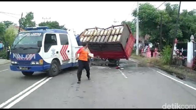 Kecelakaan Beruntun Terjadi di Mojokerto, 1 Orang Tewas