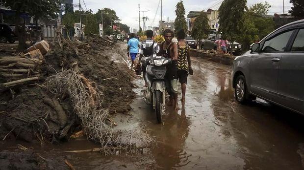 Kondisi banjir bandang di Sentani, Jayapura, Papua.