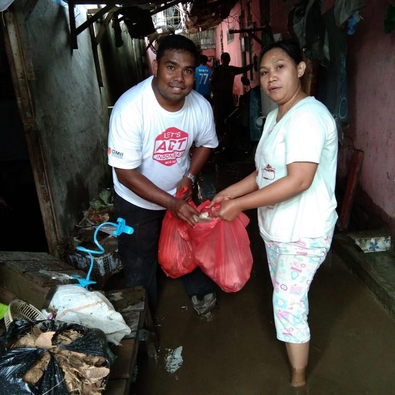 ACT Bantu Evakuasi Korban Banjir Bandang Sentani Jayapura
