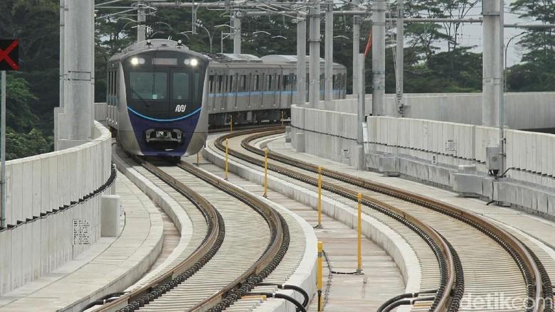 Anies: MRT akan Beroperasi 1 April