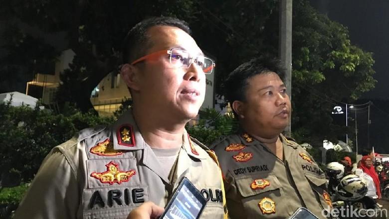 Tas Mencurigakan di Rumah Aspirasi Jokowi Ternyata Isinya Pakaian