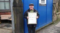 Pesan Mengharukan dari Pria Inggris Penjaga Masjid