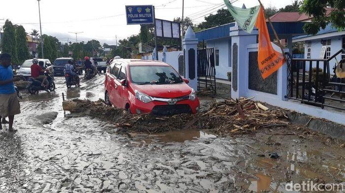 Foto: Kondisi Banjir di Sentani (Binmas Polres Jayapura-Twitter @binmas_resjypr)
