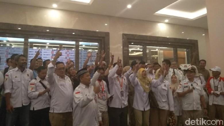 Pendukung Jokowi-Maruf Selawatan, Pendukung Prabowo-Sandi Yel-yel