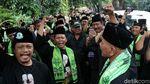 Massa FBR Sambangi Kediaman Maruf Amin