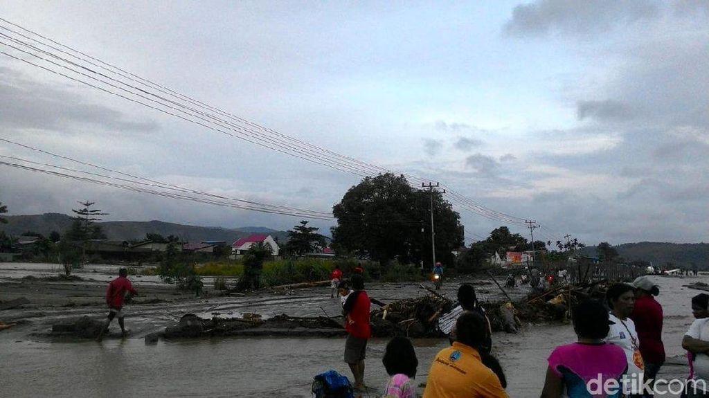 Timnas U-23 Berduka untuk Korban Banjir Bandang di Sentani