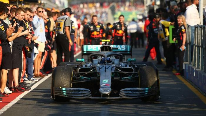 Valtteri Bottas memenangi GP Australia 2019 dan sementara memimpin klasemen F1 2019. (Foto: Robert Cianflone/Getty Images)