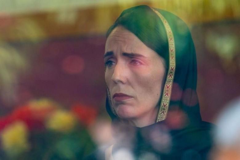 Diskusi dengan Keluarga Korban Teror, PM New Zealand Berkerudung