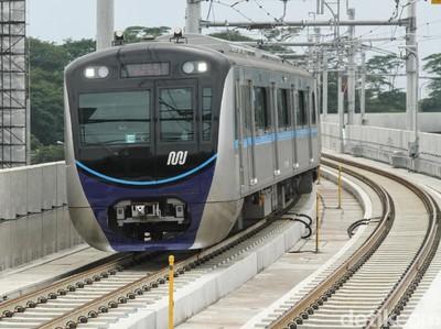 Perhatian! Ini 13 Hal yang Haram Dilakukan Saat Naik MRT Jakarta