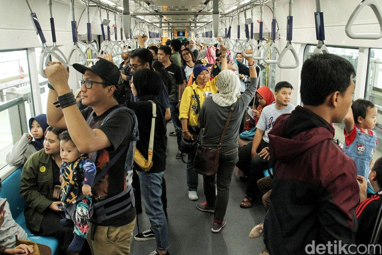 Anies: MRT Jakarta Tetap Gratis hingga 31 Maret