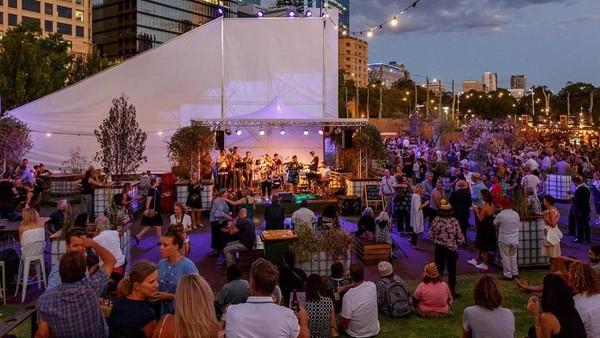 Setiap Februari ada Perth Festival. Ini adalah festival seni pertunjukan yang menampilkan musik klasik, musik kontemporer, tarian, teater, opera, seni visual sampai karya publik berskala besar (jessicawyld/perthfest/Instagram)