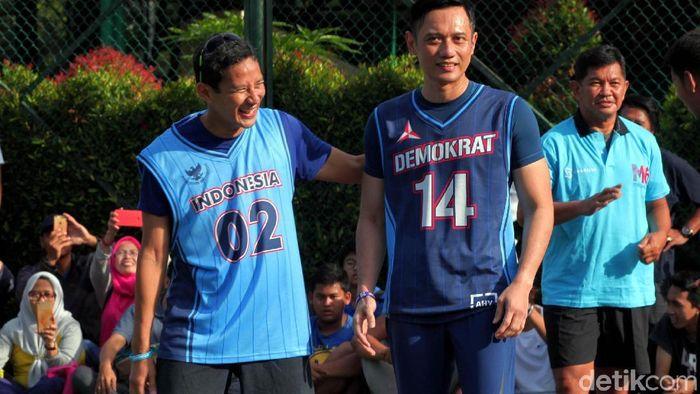 Salah satu Cawapres 2019-2024 Sandiaga Uno bermain basket sebagai upaya kampanye (Lamhot Aritonang/detikSport)