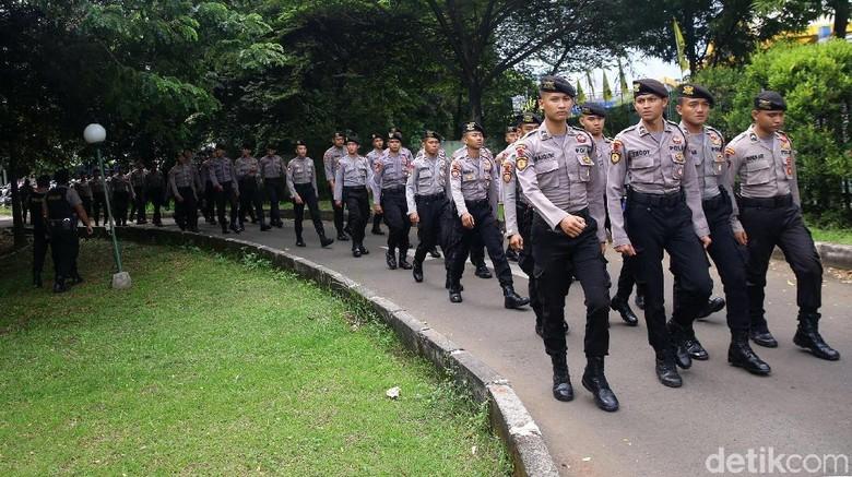 Personel Gabungan Mulai Sterilisasi Hotel Sultan