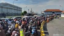 350 Polisi Atur Kemacetan di Pelabuhan Ujung Dampak Suramadu Ditutup