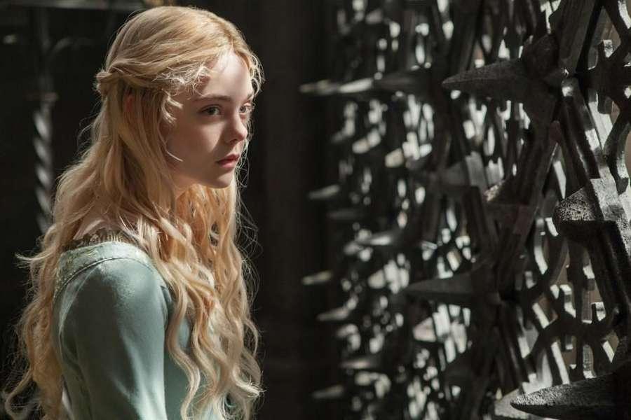 Elle Fanning Sang Princess Aurora Makin Dewasa dan Mempesona