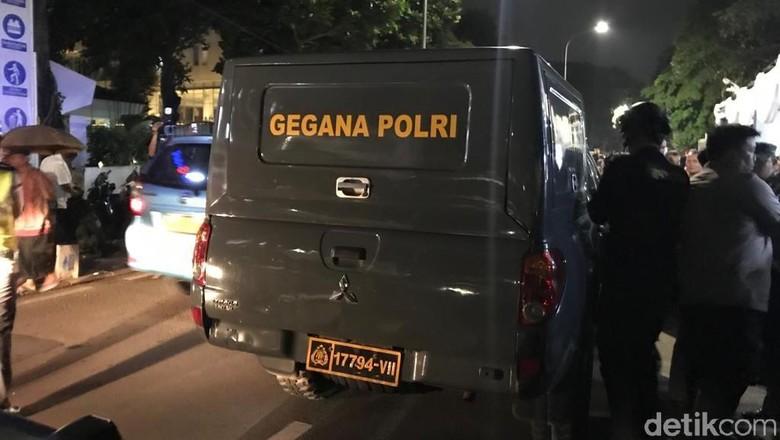 Tas Mencurigakan Diangkut Gegana, Pendukung Jokowi-Amin Lanjut Nobar