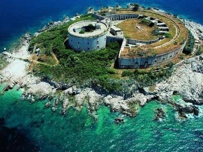 Pulau Penyiksaan Nan Angker yang Jadi Resort Mewah