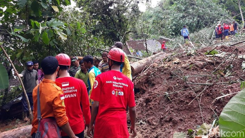 Banjir dan Longsor Bantul, 3 Tewas dan 2 Dalam Pencarian