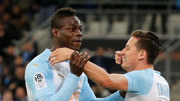 Mario Balotelli sudah mempersiapkan rencana perayaan gol dengan menunjukkan nama Marcus Rashford.