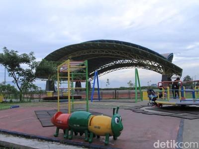 Foto: Rekomendasi Taman Lengkap Fasilitas di Bandung