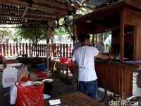 Mie Keriting Luwes: Mie Daging Sapi dan Yamin Enak Dekat Stasiun Sudirman
