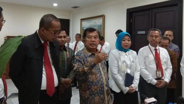 JK mengatakan baru pertama kali mengisi SPT di Jakarta.