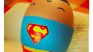 Meme Sindiran buat Superman yang Ingin Serang Egg Boy