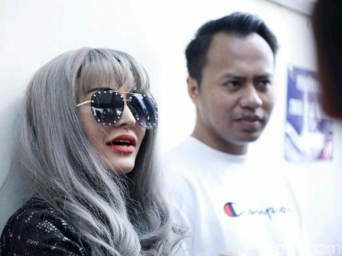 Cynthiara Alona saat ditemui di Polda Metro Jaya.
